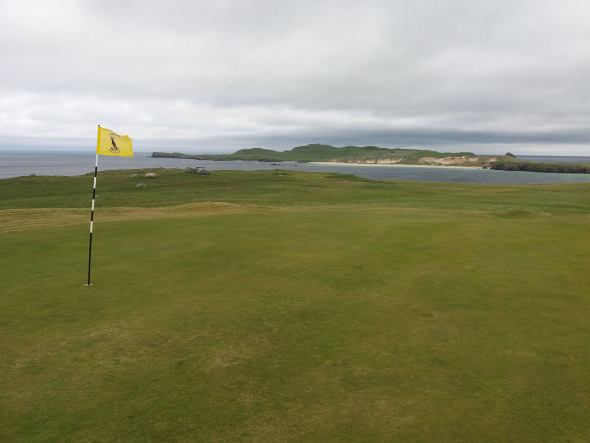 Durness Golf Club 1st-green