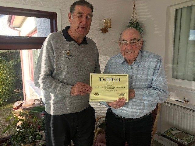 Muir-of-Ord-Golf-Club-honorary-member-Ken-Mackay-and-outgoing-captain-Hamish-Milne